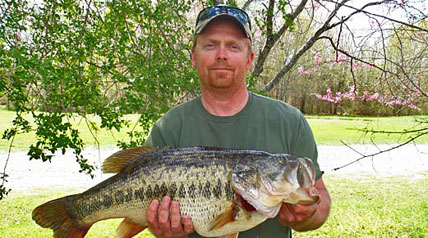 Angler Lands Oklahoma State Record Largemouth Bass