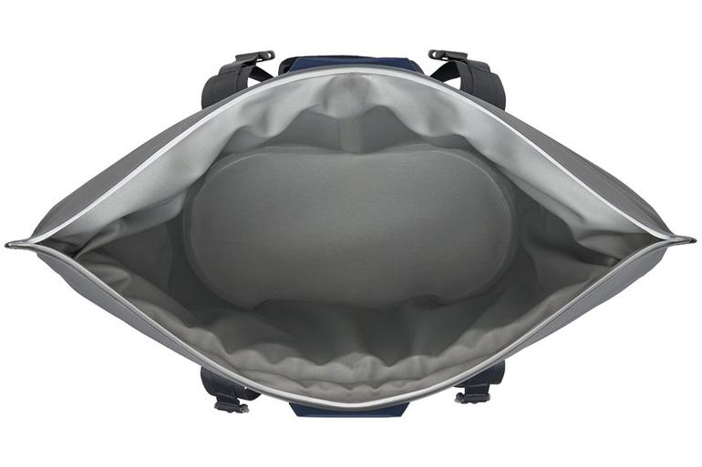 YETI-Hopper-M30-inside.jpg