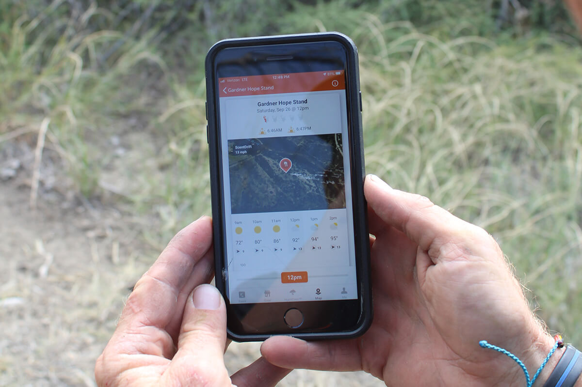 HuntWise a Must-Have Smartphone App for Whitetail Bowhunters