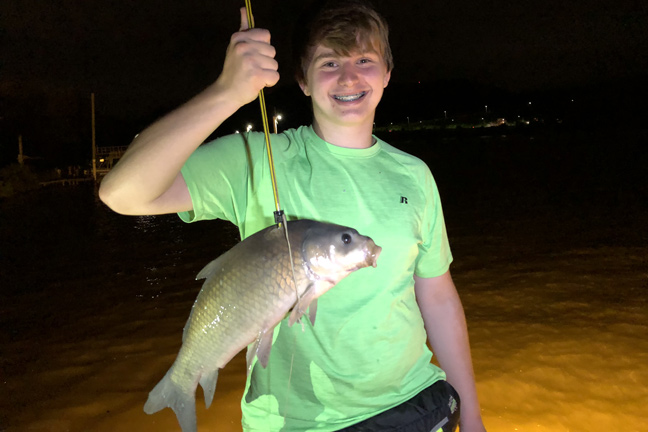 Bowfishing In The Shadows Of Downtown Pittsburgh