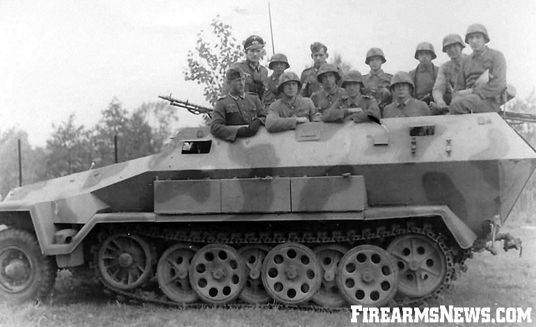 German-SdKfz.-251-Halftrack-2-2