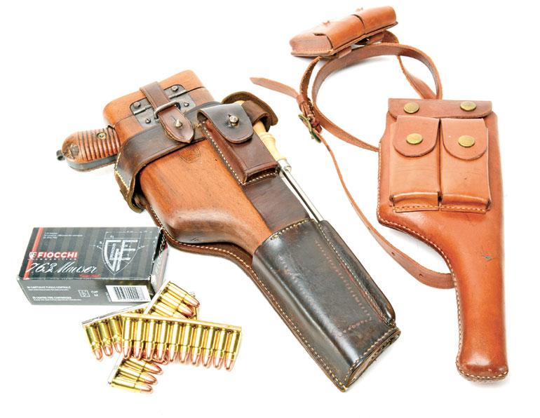 Mausers-M1930-Broomhandle-11