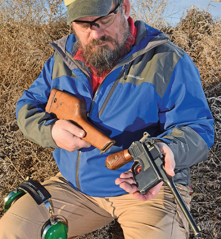 Mausers-M1930-Broomhandle-9