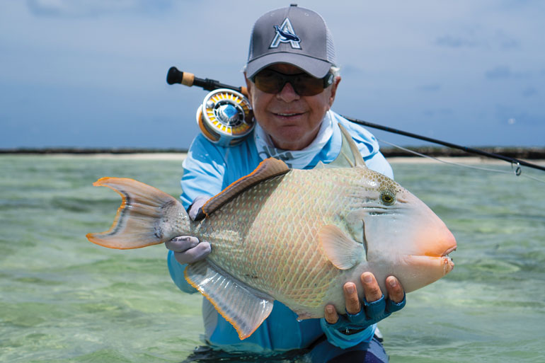 //content.osgnetworks.tv/flyfisherman/content/photos/Cosmoledo-Atol-Triggerfish.jpg