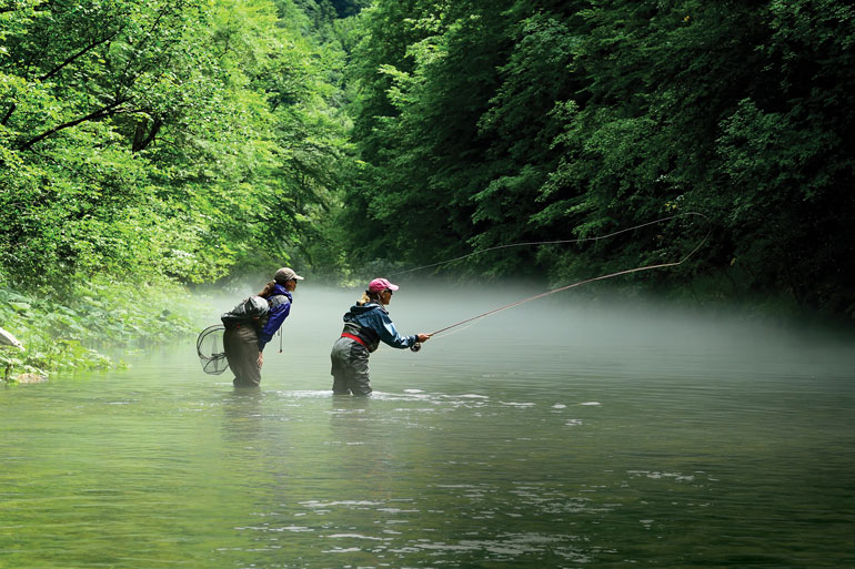 //content.osgnetworks.tv/flyfisherman/content/photos/Dry-Fly-Fishing.jpg