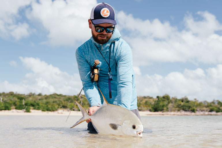 //content.osgnetworks.tv/flyfisherman/content/photos/Permit-in-Australia-Flats.jpg