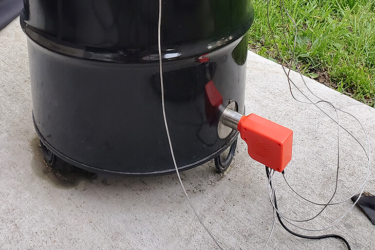 Smartfire connected to Pit Barrel Cooker