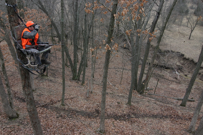 Rut Road Trip for Big Whitetails in the Midwest
