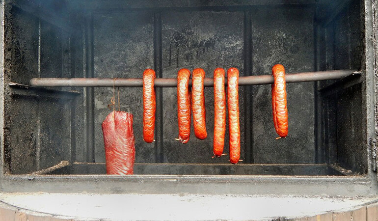 smoked-venison-sausage-in-smoker-recipe