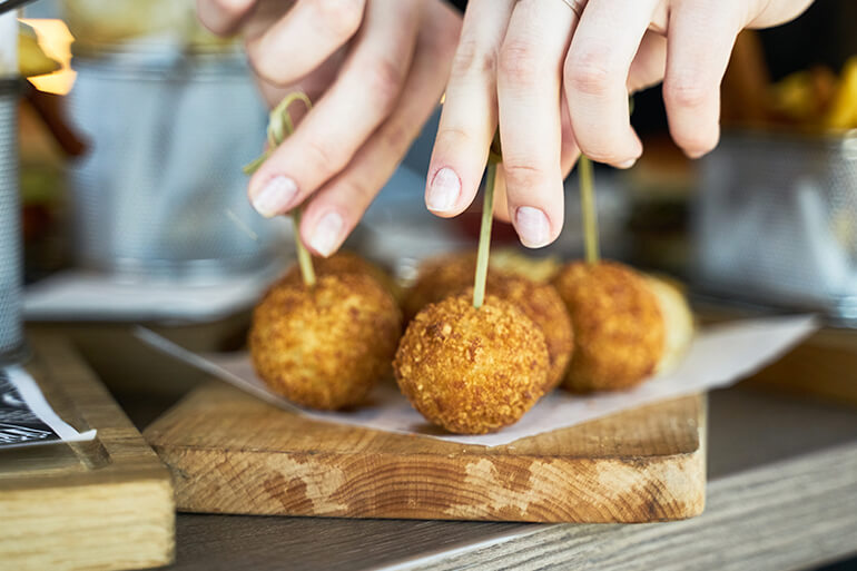 Venison Mac and Cheese Balls