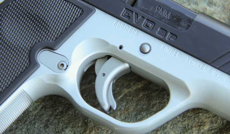 Kimber-EVO-SP-Two-Tone-Trigger