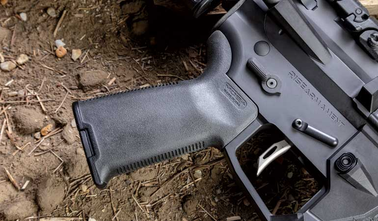 //content.osgnetworks.tv/gunsandammo/content/photos/Rise-Armament-RA315-5.jpg