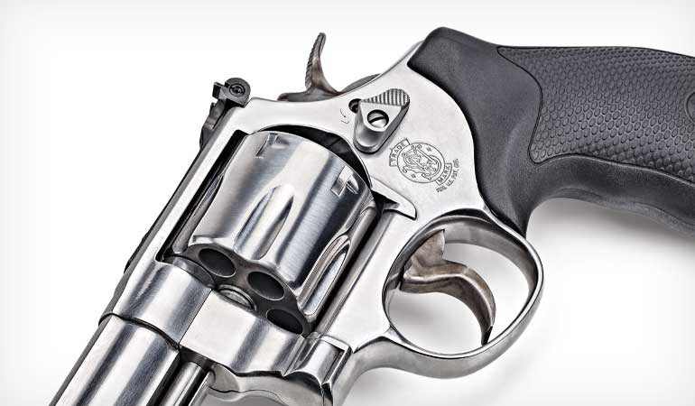 Smith-and-Wesson-Model-610-4