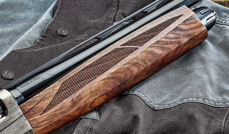 Weatherby-18i-Deluxe-2