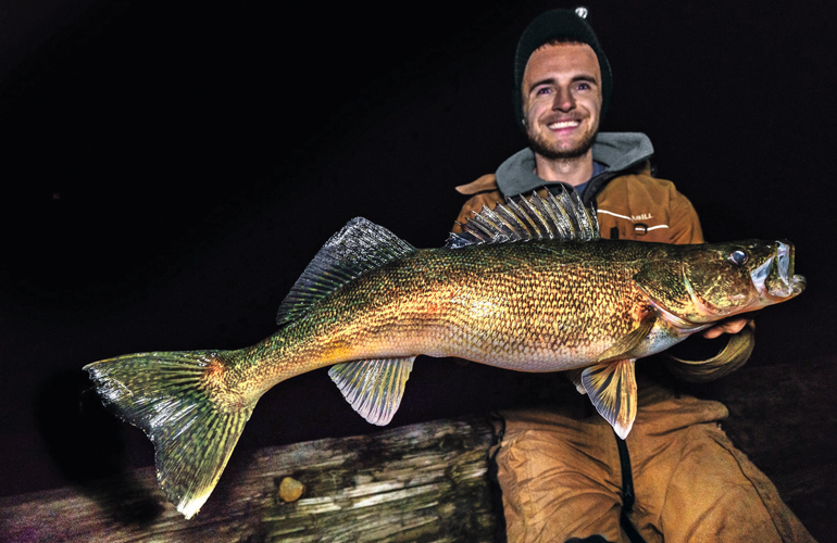 //content.osgnetworks.tv/infisherman/content/photos/Austin-Gates-Giant-Walleye.jpg