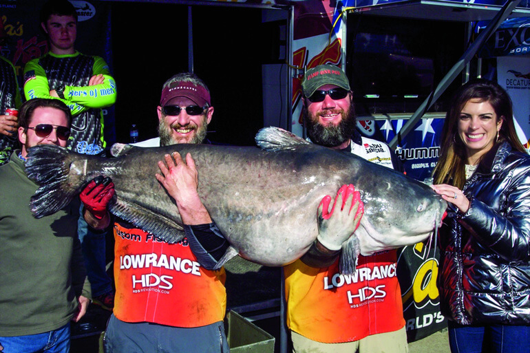 //content.osgnetworks.tv/infisherman/content/photos/Giant-Catfish-at-Tournament.jpg