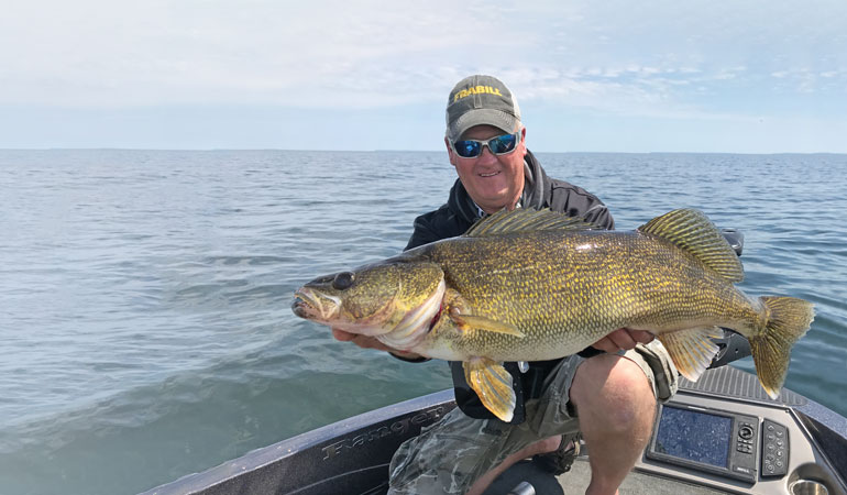 Open-Water Strategies for Giant Walleye