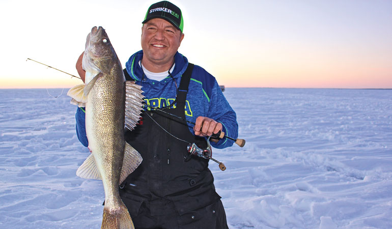 //content.osgnetworks.tv/infisherman/content/photos/Tony-Roach-Light-Line-Ice-Fishing.jpg