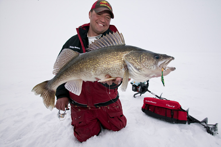 //content.osgnetworks.tv/infisherman/content/photos/Tony-Roach-with-Big-Walleye.jpg