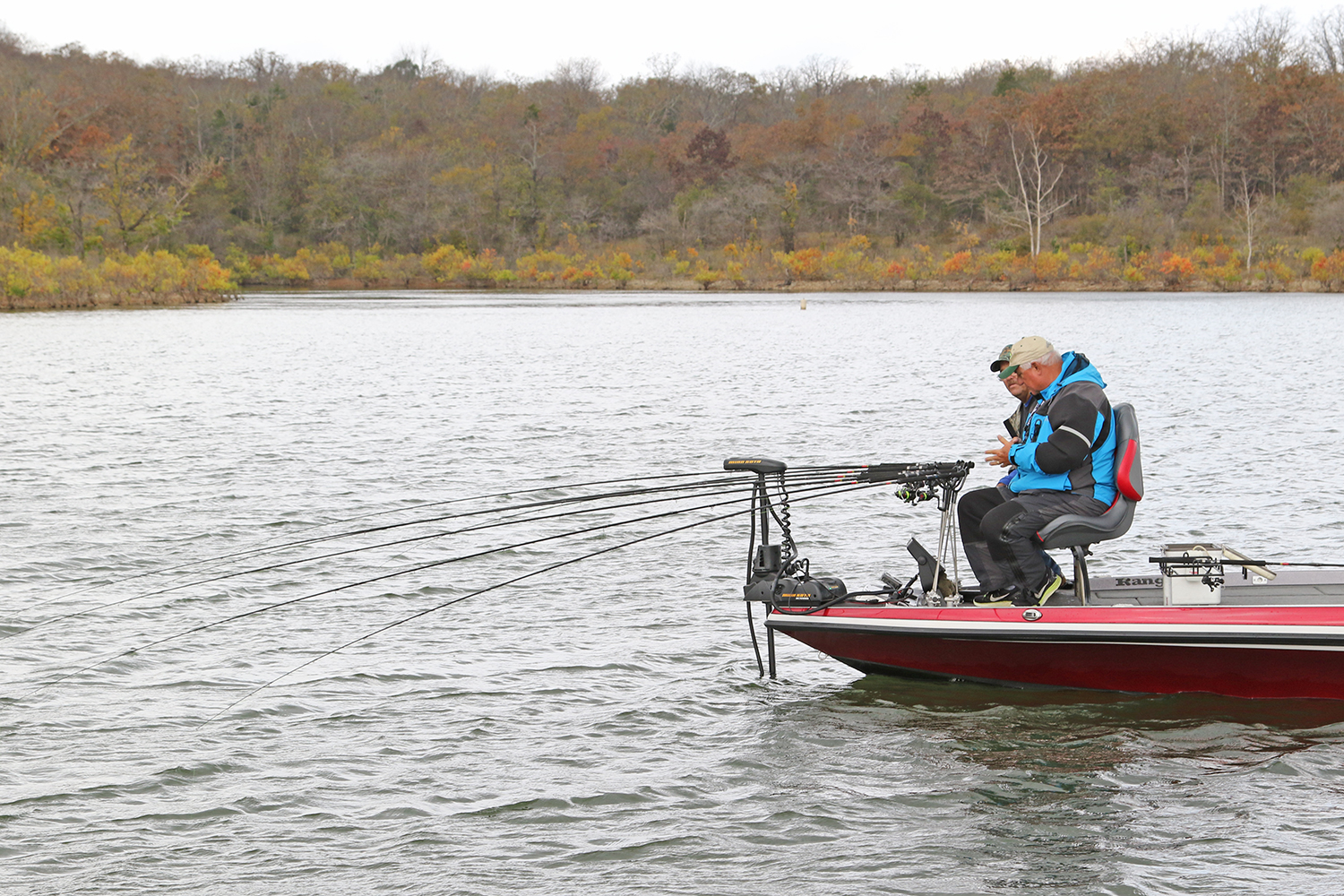//content.osgnetworks.tv/infisherman/content/photos/Winter-Crappie-Channels-Spider-Rig.jpg