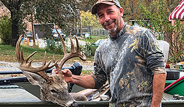 Traveling by boat helped this Tennessee hunter score big.