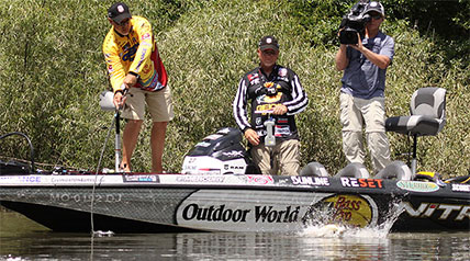 There aren't too many times in life that a person gets a second chance at anything. However, in the Major League Fishing GEICO Selects, anglers who finish in second, third or fourth place during the Qualifying Rounds get precisely that.