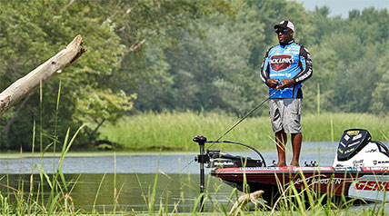 As the second group prepared for the launch of Elimination Round 2, there was some bait selection common ground shared among the anglers – swim jigs.