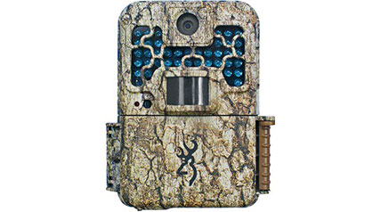 Capture elusive wildlife on film and play it back in HD with the Browning Recon Force FHD 10MP Trail Camera.