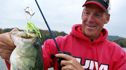 In 1977, Texas bass pro Rick Clunn won a major tournament on Tennessee's Percy Priest Reservoir.