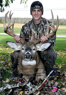 Jake Maurer 17 point buck lrg photo