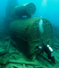 This is just one of the many shipwrecks that are scattered along the bottom of Thunder Bay.