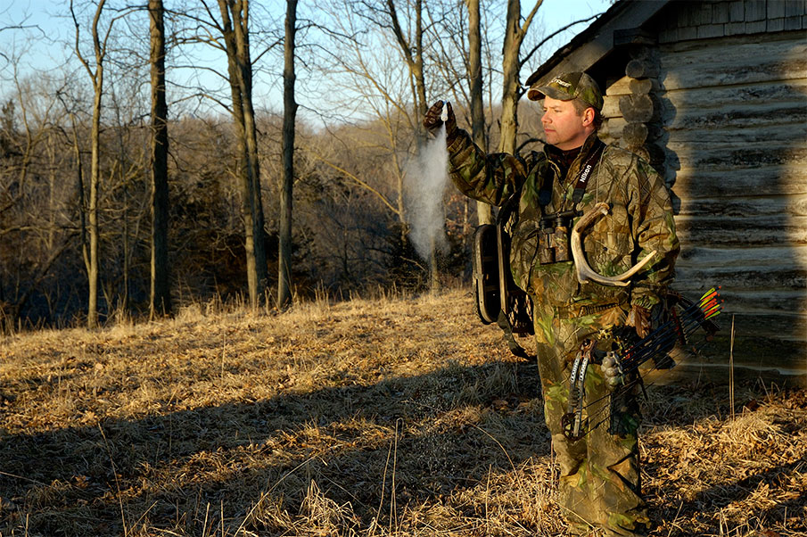Tips for Getting To and From a Hunting Treestand without Getting Busted