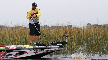 A former champion and the odds-on event favorite see if they can continue to advance during Jack Link's Major League Fishing's 2013 GEICO Challenge Cup from Florida's Lake Istokpoga.