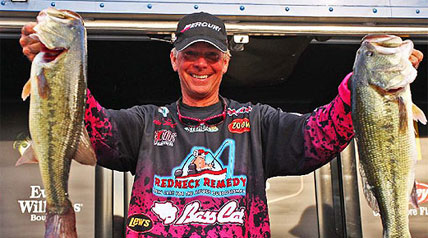 Kevin Short kept plugging away each day and saved his best performance for last to win the season finale Bass Pro Shops Bassmaster Central Open at Table Rock Lake.