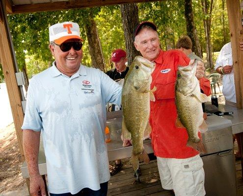 Bill Dance, fishing the Bassmaster Legends event with Jerry McKinnis, is overjoyed to serve. (B.A.S.S. photo)