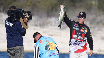 Size versus numbers is the name of the game in Major League Fishing's fifth Challenge Cup webisode.