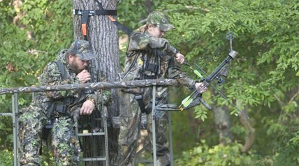 Consistently successful whitetail hunters know there's more to elevated-stand setups than just choosing a good tree; heed these 10 deer hunting treestand tips to increase odds for success all season long.