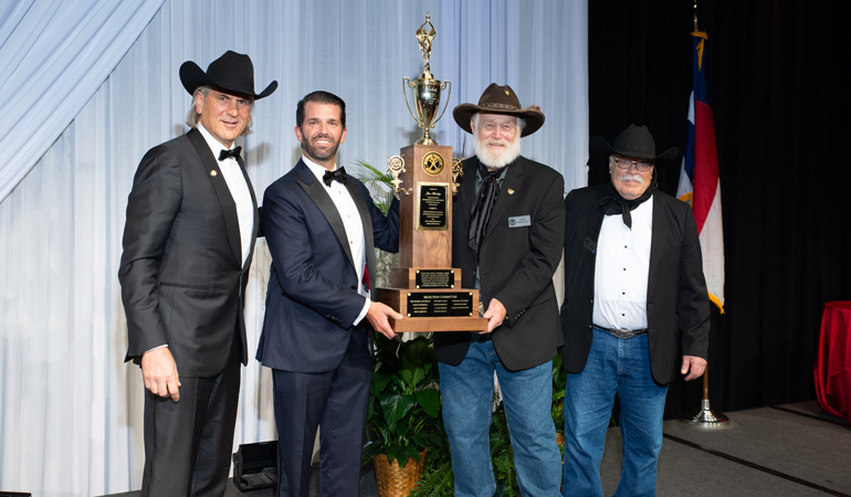 Jim-Shockey-Presented-2019-Weatherby-Award.jpg