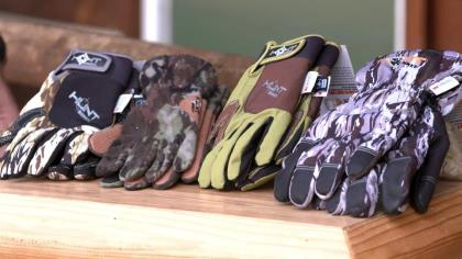 Hosts Laden Force and Haynes Shelton share their insights on necessary requirements of their hunting gloves, a category and conversation that they feel is too often overlooked. They dive into what they seek and demand from a glove as they travel the country in pursuit of mature whitetails each fall, while providing their thoughts on how the new Hunt Monkey glove line stands up to these expectations.
