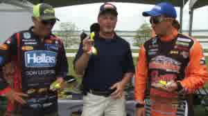 Bassmaster Elite Series angler Paul Mueller and FLW angler Wesley Strader discuss the advantages of balsa crankbaits over hard-plastic crankbaits.