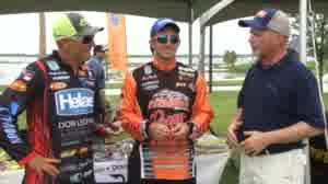 Bassmaster Elite Series angler Paul Mueller and FLW angler Wesley Strader talk about two opposite-end-of-the-spectrum techniques that have their time and place to utilize. From ultimate finesse with a nail-weighted plastic to punching mats with a heavy jig, versatility yields consistent anglers.