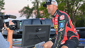 As the first group of Major League Fishing GEICO Select pros pulled into the Mosquito Creek Lake boat ramp to kick off the 2016 Bass Pro Shops Challenge Select in Youngstown, Ohio, well-known pro Gerald Swindle made a troubling discovery.