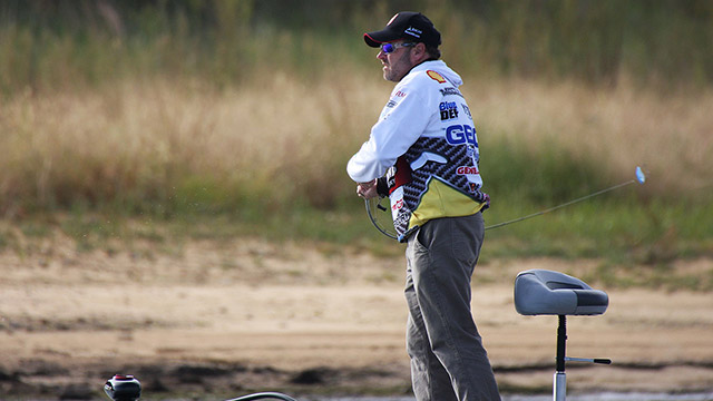 fall bass fishing tips mike mccelland lipless crankbait