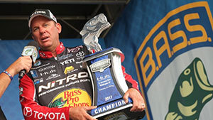 Kevin VanDam beats out Brock Mosley, with the cash prizes pushing his career earnings to a grand total of $6.2 million.