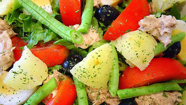 Salad Provencal with Tuna, Olives and Red Potatoes Recipe