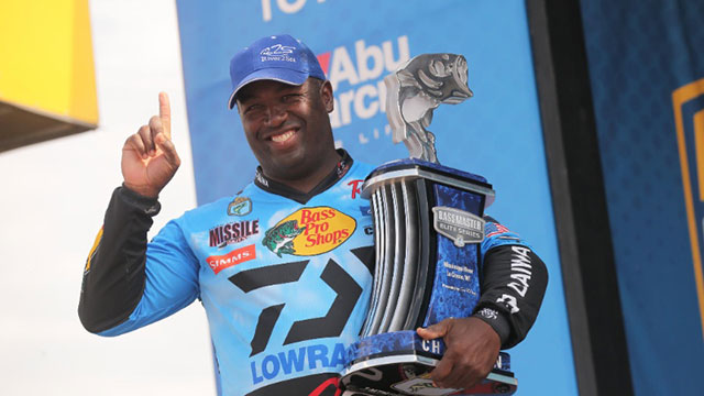 California Native Ish Monroe Comes From Behind to Win Mississippi River Bassmaster Elite