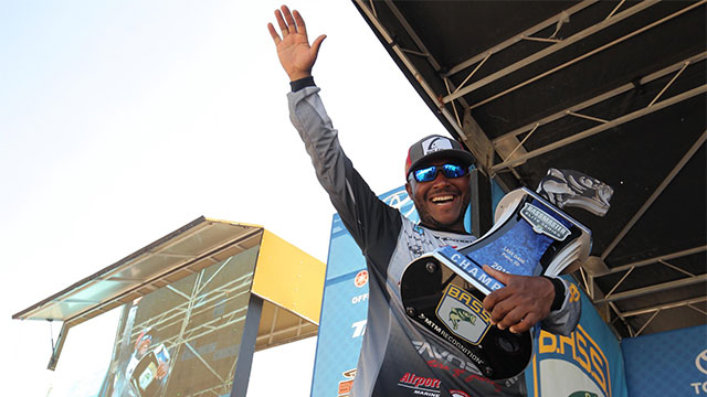 Mark Daniels Jr. Cashes in at Bassmaster Elite at Lake Oahe
